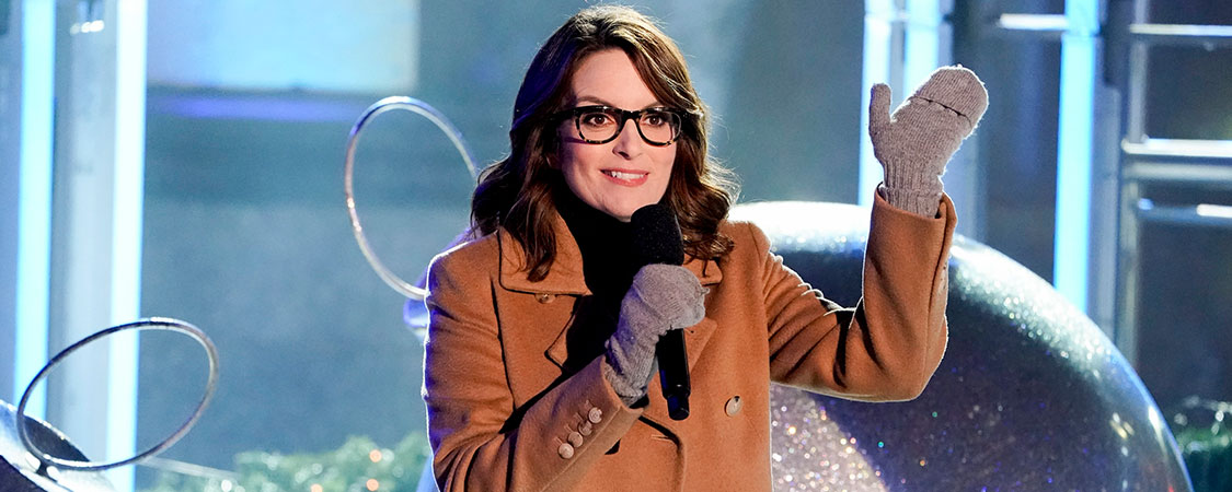 "Tina Fey introduces the ""Mean Girls"" Broadway Cast at Christmas in Rockefeller Center"